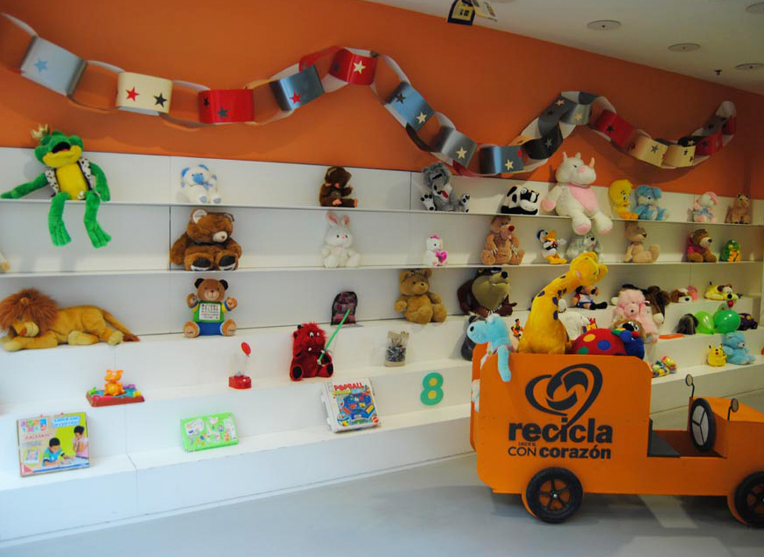 Local de recogida de juguetes de Fundación Cáritas Chavicar