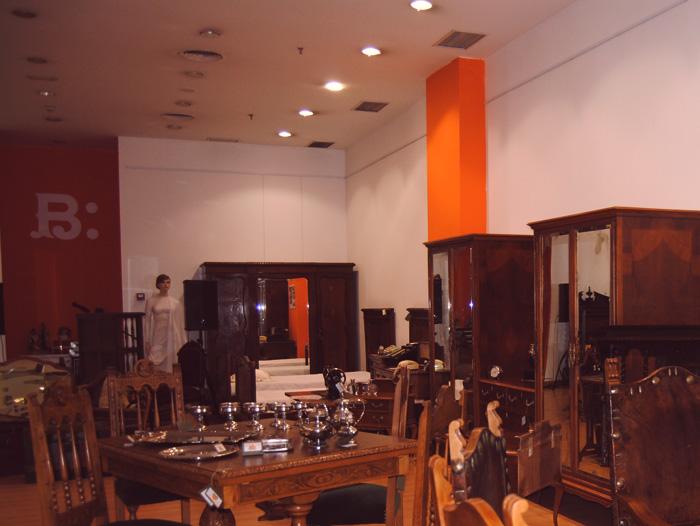 Muestra de muebles restaurados de Fundación Cáritas Chavicar