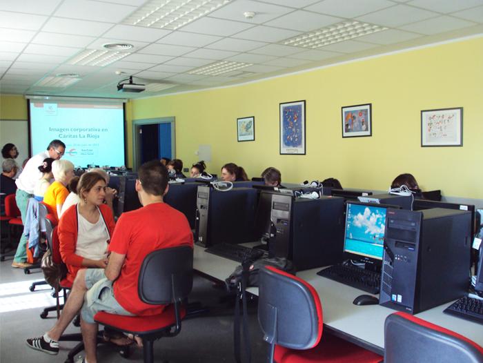 Impartimos un curso de formación interna sobre la imagen corporativa