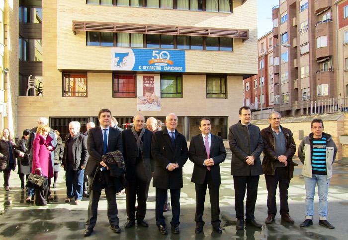 En el acto del 50 aniversario participaron autoridades locales y regionales, un acto que coordinó Communicadia.